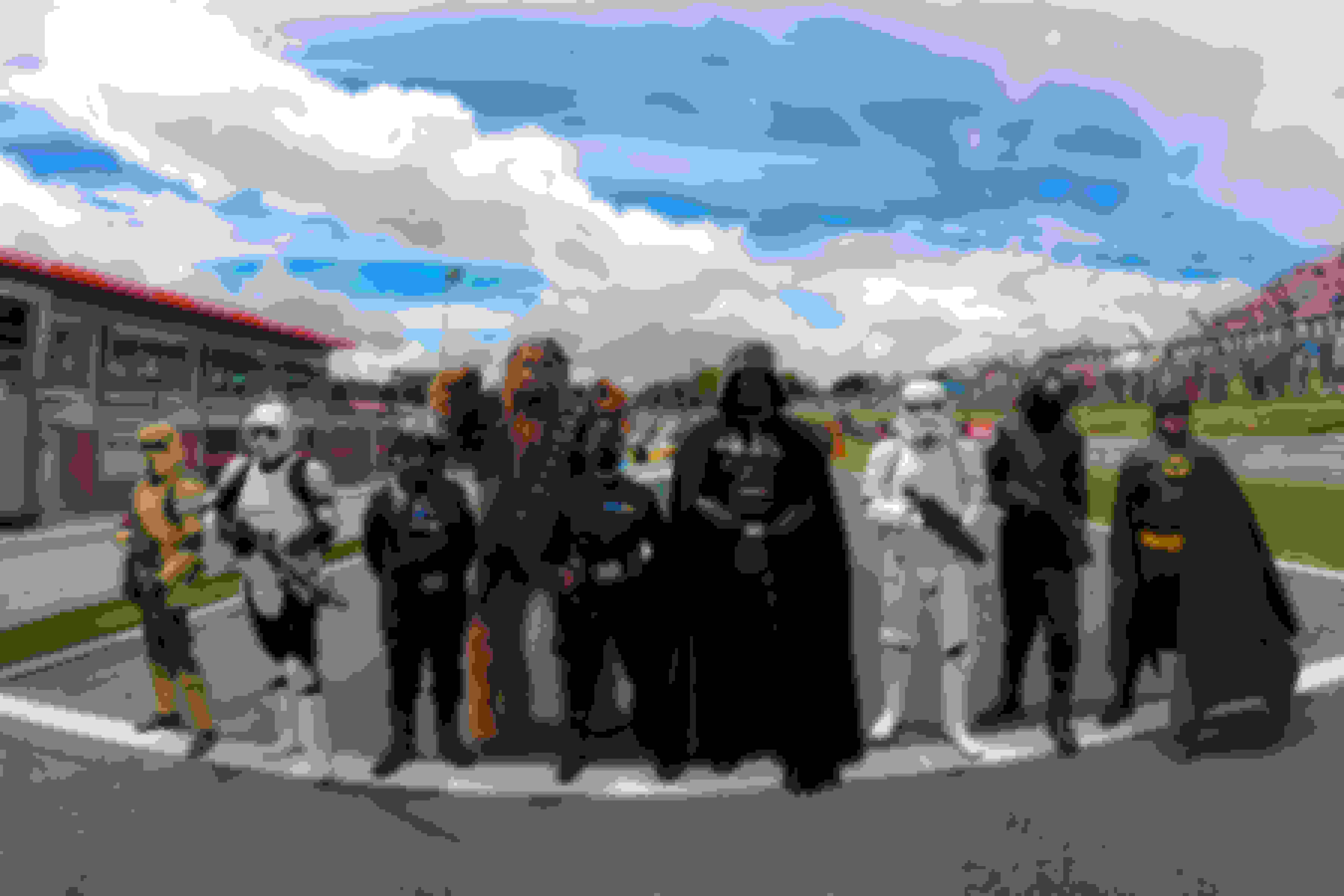 Star Wars and Marvel characters - SUNDAY