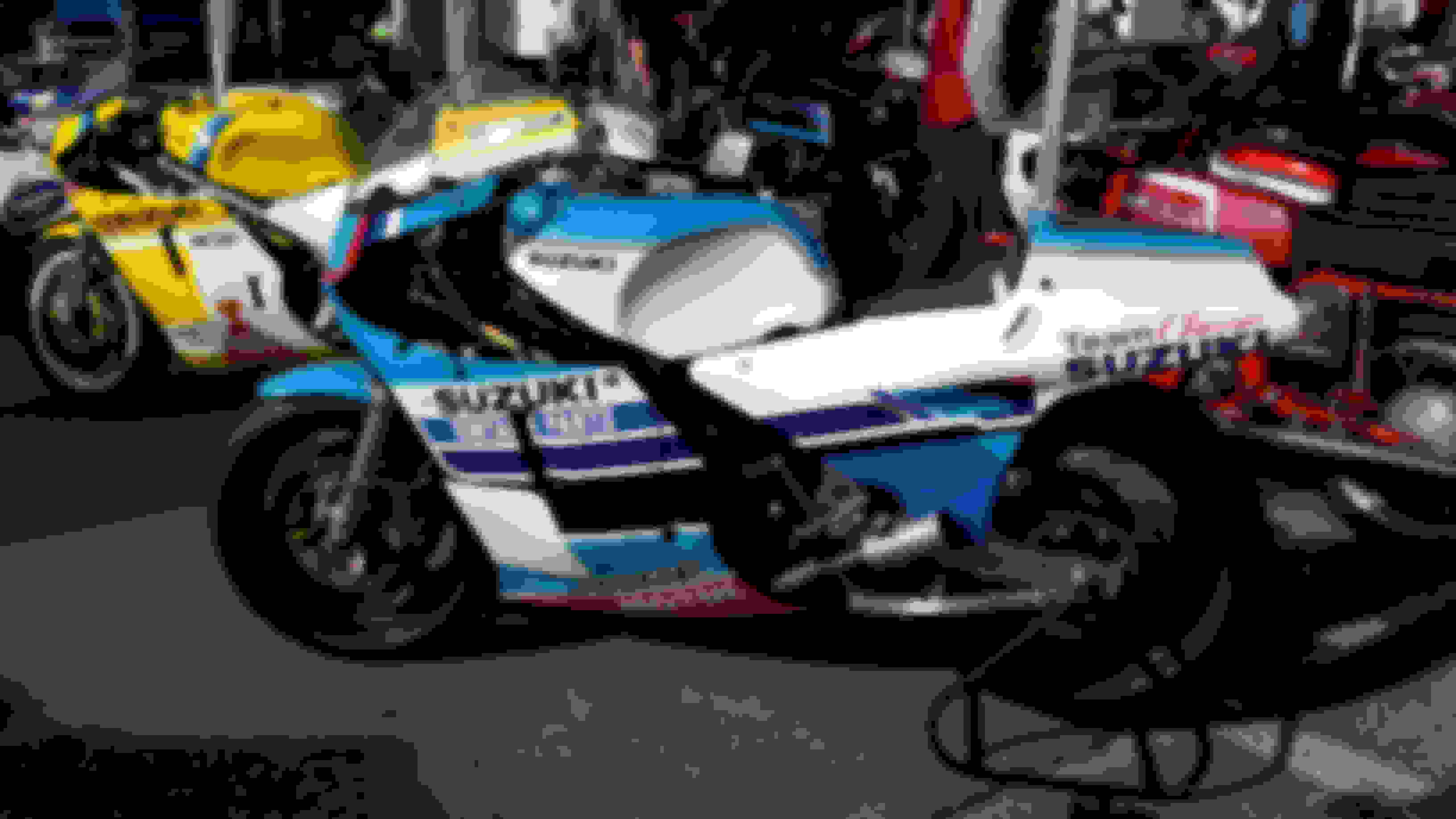 Grand Prix Bike Display - Suzuki RG500